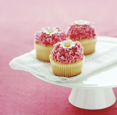 Pretty cupcakes #pink #white #yellow
