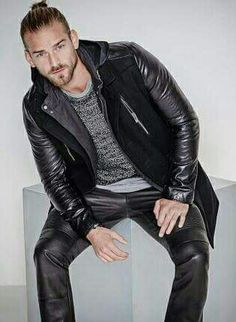 Moda leather biker.