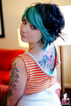 Quinine Suicide. Love her hair!