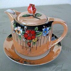 Toki Kaisha Lusterware Tea Pot with Underplate Removed Toki Kaisha Lusterware Tea Pot with Underplate 1923 from pastwareslane on Ruby Lane Chocolate Pots, Chocolate Coffee, Teapot Cookies, Teak, Tea Pot Set, Teapots And Cups, Tea Art, Cream And Sugar, Vintage China