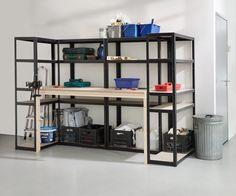 Maak je eigen heavy duty werkplek   voordemakers.nl Bookcase Closet, Bookshelves, Future House, Diy Furniture, Upcycle, Craft Tables, Sweet Home, Workshop Ideas, Organization