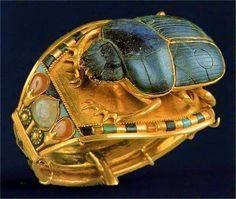 King Tut's Golden Ring  -  Egyptian Museum.     Cairo, Egypt