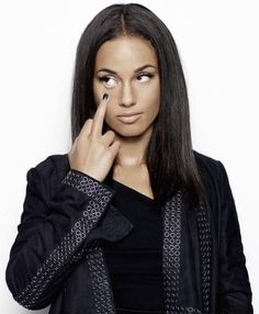 """Alicia Keys not giving an eff.-Girl on FIRE:-0 - She's an active philanthropist-""""Keep A Child Alive"""""""