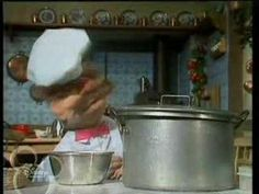 The Muppet Show. Swedish Chef. Hot Dogs (ep 4.04) - http://mystarchefs.com/the-muppet-show-swedish-chef-hot-dogs-ep-4-04/