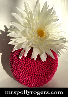 Make a Simple, Easy & CHEAP Textured Vase Tutorial from MrsPollyRogers.com