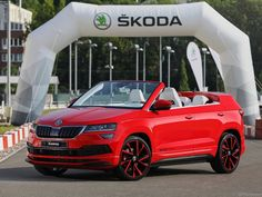 Meet the ŠKODA SUNROQ. This cool-looking convertible, the work of students from the ŠKODA Secondary Vocational School, is a dream come true for the younger generation. Range Rover Evoque, Crossover, School Jobs, Cabriolet, Wide Body, Modified Cars, Sport Cars, Convertible, How To Look Better