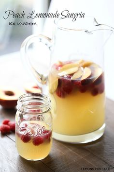 Peach Lemonade Sangria | Real Housemoms