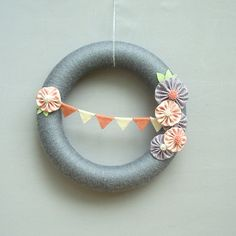 Modern Bunting Yarn Wreath Fabric Flowers Grey, Pink, Ivory, Cream - Meet me at the fair grounds