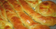 Pizza Tarts, Cheese Bread, Greek Recipes, Hot Dog Buns, Sausage, Biscuits, Food And Drink, Cooking, Breakfast