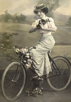 Get some original 1910s inspiration for boater styling. It's a lovely silhouette. (oldbike.eu)