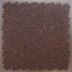 Composição II 1967 | Aluísio Carvão chapinhas pintadas sobre madeira 80.00 x 80.00 cm