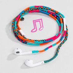 Soda (@soda.says) • Instagram photos and videos Braclets Diy, Handmade Accessories, Handmade Jewelry, Headphone Wrap, Apple Earphones, Diy Headphones, African Jewelry, Jewelry Crafts, Friendship Bracelets