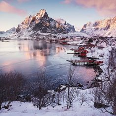 Reine - Sunset in Reine i Lofoten