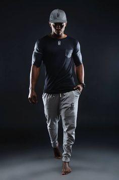 Fabio Manuel estudante angolano na Ucrania, cria linha de roupa ''FAMA'' http://angorussia.com/entretenimento/moda/fabio-manuel-estudante-angolano-na-ucrania-cria-linha-de-roupa-fama/