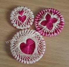 Circular Weaving, Dorset Buttons, Origami Rose, Crochet Buttons, Passementerie, Gold Work, Create And Craft, Button Crafts, String Art