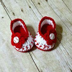 Crochet Baby Baseball Shoes   #crochetbabybaseballshoes #crochetbabybaseball #crochetbabyshoes #baseballseason #handmade
