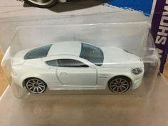 Hot Wheels - Aston Martin DBS (2013)