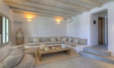 Mediterranean luxury interior design villa / Get inspired byCOCOON.com / #COCOON Dutch designer brand.