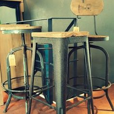 Av. Del Libertador 16.772, San Isidro. Bs. As. Tel 4742 8524 #jblacroux #chairs #decor #furniture #architecture #homedecor #desing #muebles #decoración #diseño #banqueta #sanisidro