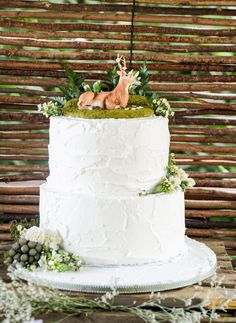 Boho Enchanted Forest Party Birthday Cake Ideas #BohoBirthdayCake #EnchantedForestBirthdayCake