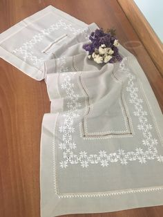 Gülay çakır Hardanger Embroidery, Embroidery Fashion, Bargello, Ethnic Fashion, Color Combinations, Flower Girl Dresses, Elsa, Wedding Dresses, Pattern
