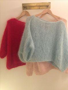 Knitting Patterns Poncho knit sweater sweater wool wool style poncho angora knit pastel and red Poncho Knitting Patterns, Knitted Poncho, Knitting Designs, Hand Knitting, Simple Knitting, Knitting Projects, Knit Vest, Crochet Patterns, Mohair Sweater