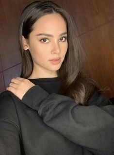 I see catriona and megan young in this picture💚 Megan Young, Asian Woman, Asian Girl, Beauty Makeup, Hair Makeup, Haircut And Color, Everyday Makeup, Fair Skin, Woman Crush