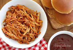Slow Cooker Pulled Pork - lean pork loin and homemade BBQ sauce is used to make the best pulled pork ever! Skinny Recipes, Ww Recipes, Slow Cooker Recipes, Crockpot Recipes, Great Recipes, Cooking Recipes, Favorite Recipes, Healthy Recipes, Skinnytaste Recipes