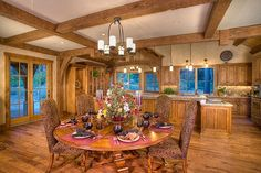 What a gorgeous kitchen & dining area.