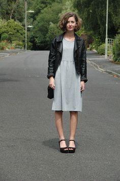 Primark Grey Dress, Warehouse Leather Jacket, Primark Flatform Sandals also those hair ^^