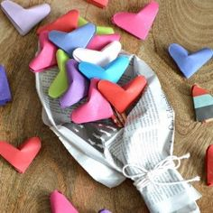 Learn how to fold Origami Puffy Hearts, then use them to make a cute bouquet!