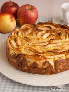 torta di mele e ricotta a little place to rest Easy Baking Recipes, Apple Recipes, Sweet Recipes, Real Food Recipes, Cookie Recipes, Dessert Recipes, Italian Desserts, Easy Desserts, Pear Dessert