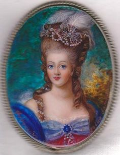 "AMAZING! ""Marie Antoinette"" Russian Hand Painted Fedoskino MOP BROOCH"
