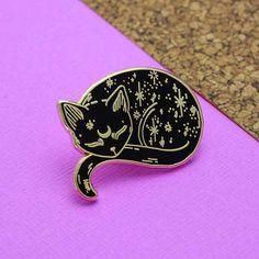 Gold Mystical Cat Enamel Pin