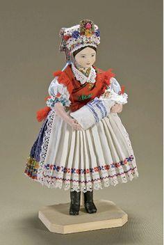 Bocsi Éva Magyar Kézműves Remek-díjas népviseleti baba-készítő népi iparművész-I so badly want a hungarian doll Paper Dolls, Art Dolls, My Heritage, Fabric Scraps, Traditional Dresses, Hungary, Old And New, Puppets, American Girl