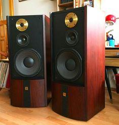Media: The JBL Gold Special Edition Series 6 are gorgeous. The de… – Alphonse Spurlock Jr. High End Speakers, Tower Speakers, Monitor Speakers, Audiophile Speakers, Hifi Audio, Stereo Speakers, Audio Design, Speaker Design, Floor Standing Speakers