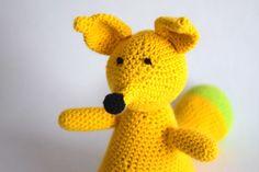 Gehaakte knuffel vos geel met groen of roze met paars   Etsy Crochet Animals, Dinosaur Stuffed Animal, Great Gifts, Cute, Vintage, Crocheted Animals, Kawaii, Vintage Comics