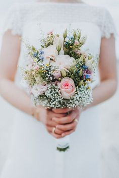 Ines & Marvin / Sankt Peter-Ording Spring bouquet with roses and gypsophila, bridal gown: Rembo Styling Rembo Styling, Wedding Bride, Wedding Blog, Rustic Wedding, Bridal Flowers, Flowers In Hair, Elizabeth Ii, Flower Company, Wedding Bouquets