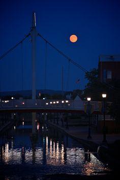 Blue moon over Carroll Creek Sept 2012