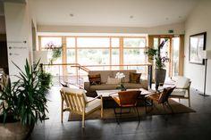 Ein Einblick in das Eco Spa Hotel La Grée des Landes, welches zur Marke gehört. Spa Hotel, Yves Rocher, Outdoor Furniture Sets, Outdoor Decor, Home Decor, Decoration Home, Room Decor, Home Interior Design, Home Decoration
