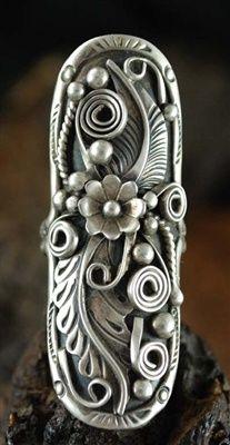 Ring | Tomm Lee (Navajo).  Sterling silver.  ca. 1970s