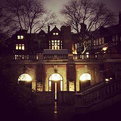 Past #dusk. #Mellon #glowing. #chathamu #chathamuniversity #shadyside #glow #laterearlier #gothic