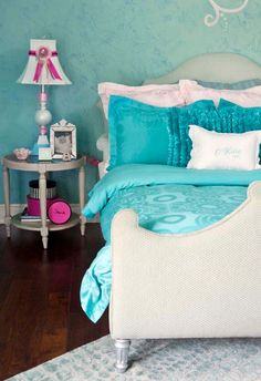 House of Turquoise: Room Room Colors, Room Decor, Decor, Bedroom Decor, Room Color Schemes, Bedroom Inspirations, Bedroom Design, Girls Bedroom Furniture, Room