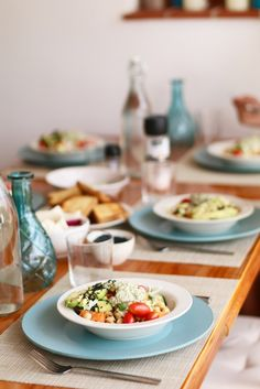 Kikkererwten salade met pesto en avocado, lunchen zonder brood, Gezond lunchen, Glutenvrij lunchen, Kikkererwten recepten, Chick peas lunch, Lunchtime, Healthy lunch, lunch without bread, Glutenfree lunch, Lunch with avocado, Avocado recipes