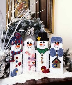 Christmas Characters in Plastic Canvas snowman decor