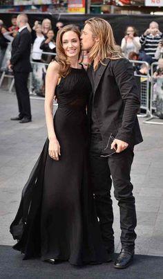Angelina Jolie & Brad Pitt - awww cute photo, both looking HOT! <3