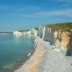 Beautiful Places To Visit, Great Places, Places To Travel, Places To Go, England And Scotland, Isle Of Wight, Camping With Kids, Holiday Destinations, Great Britain