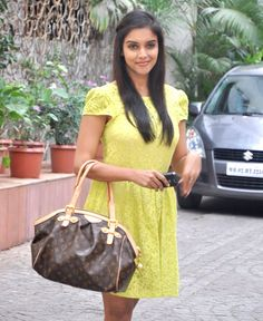 Asin Thottumkal HD Photos, Latest Images, New Pictures Gallery Tamil Movies, Pretty Pictures, Newlyweds, Louis Vuitton Speedy Bag, Mumbai, Indian Fashion, Police, Actresses, Shorts