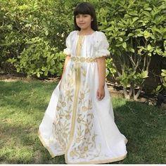 "32 Likes, 1 Comments - تقليد قفاطين كبار المصممين (@caftanmoroccoluxe) on Instagram: ""Sell online caftan whatsapp 212663293299 #couture #caftan #dubai #chik #design #maroc #morocco…"""