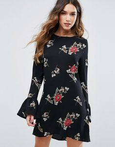 Buy it now. Missguided Floral Print Flute Sleeve Shift Dress - Black. Dress by Missguided, Textured woven fabric, Printed design, Round neck, Fluted sleeves, regular fit - true to size, Machine wash, 100% Polyester, Our model wears a UK 8/EU 36/US 4 and is 176cm/5'9.5 tall. ABOUT MISSGUIDED With an eye on the catwalks and hottest gals around, Missguided's in-house team design for the dreamers, believers and night lovers. Taking the risks no one else dares to, its bodycon dresses, crop tops…
